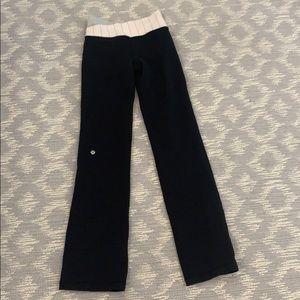 Lululemon grove yoga pants. Size 2